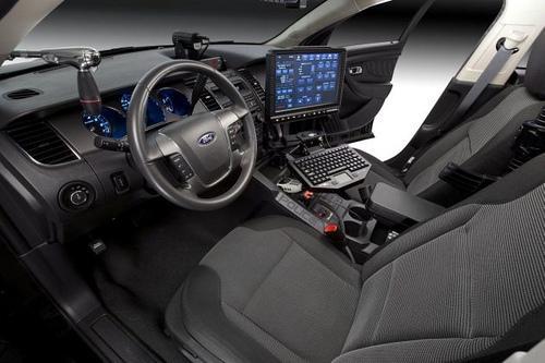 Ford Police Interceptor innen