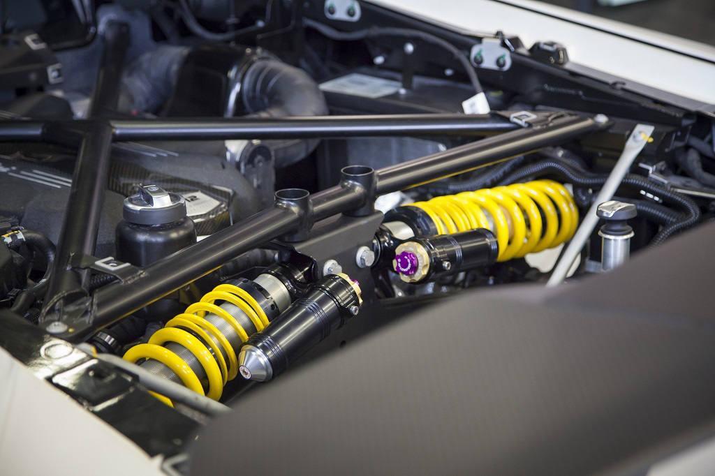 low_KW_Lamborghini_Aventador_Motorraum